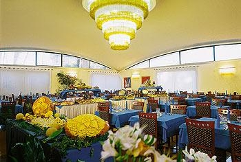 The Dome Restaurant - Grand Hotel Esplanada